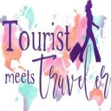 Tourist Meets Traveler